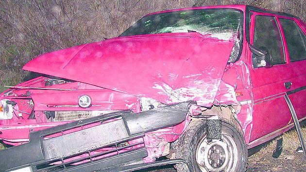 Námraza řidiče potrápila a došlo i na nehodu.