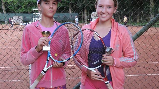Kamila Neradová (vlevo) znovu uspěla.