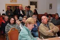 Na společném setkání osadníků s vedením města ještě definitivní rozhodnutí o odtržení nepadlo. Dnes je už jasno, Libínské Sedlo zůstává dál pod Prachaticemi.