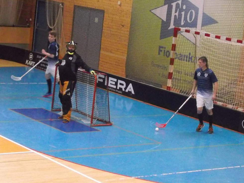 Vimperští florbalisté přivezli ze dvou zápasů čtyři body.
