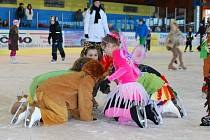 Vimperští si užili karneval na ledě.