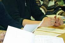 Šest zastupitelů hlasovalo pro uzavření mandátní smlouvy ohledně administrace dotačních titulů se sdružením Mikroregion Šumava. Ilustrační foto.