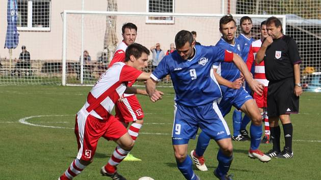 Fotbalová A třída: Lhenice - Semice 1:3.