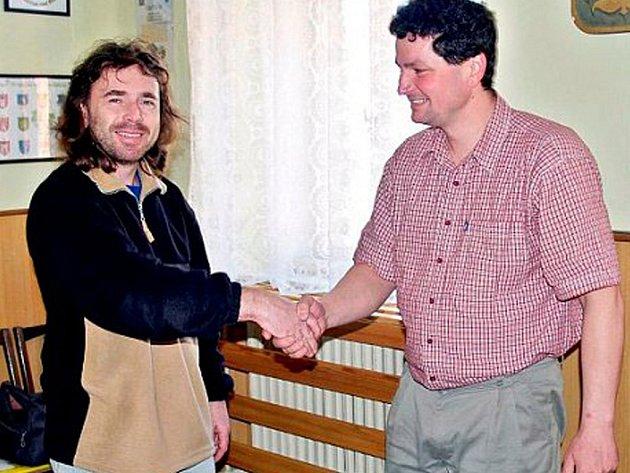 Strunkovický starosta Karel Matějka (vlevo) uzavřel partnerství.