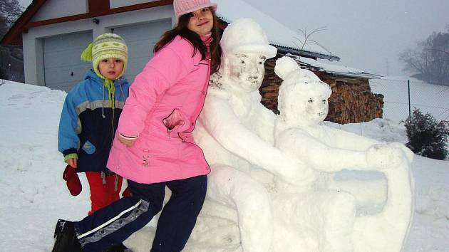 Další sněhová socha je na světě.