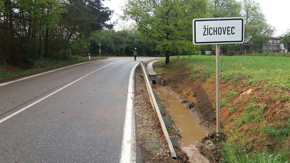 Silnice u Žíchovce.