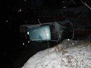 Zásahy hasičů v úterý 16. ledna. Nehoda osobního auta u Sudoměřic u Bechyně.