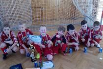 Na druhém místě turnaje skončili mladí fotbalisté Tatranu Prachatice.