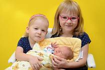 Pětiletá Eliška a tříletá Anežka z Vacova se těší, až maminka ze strakonické porodnice přiveze domů malého brášku. Jmenuje se  Václav Mašláň a narodil se ve středu 13. září v 8 hodin a 13 minut. Vážil 3120 gramů.