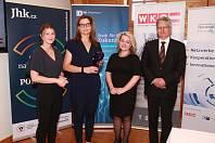 Za firmu MS Kart převzala v Rakousku ocenění Milena Šimáková (druhá zleva). Na snímku zleva jsou zástupci Jihočeské hospodářské komory Šárka Bělohlavová, Kateřina Třísková a Luděk Keist.