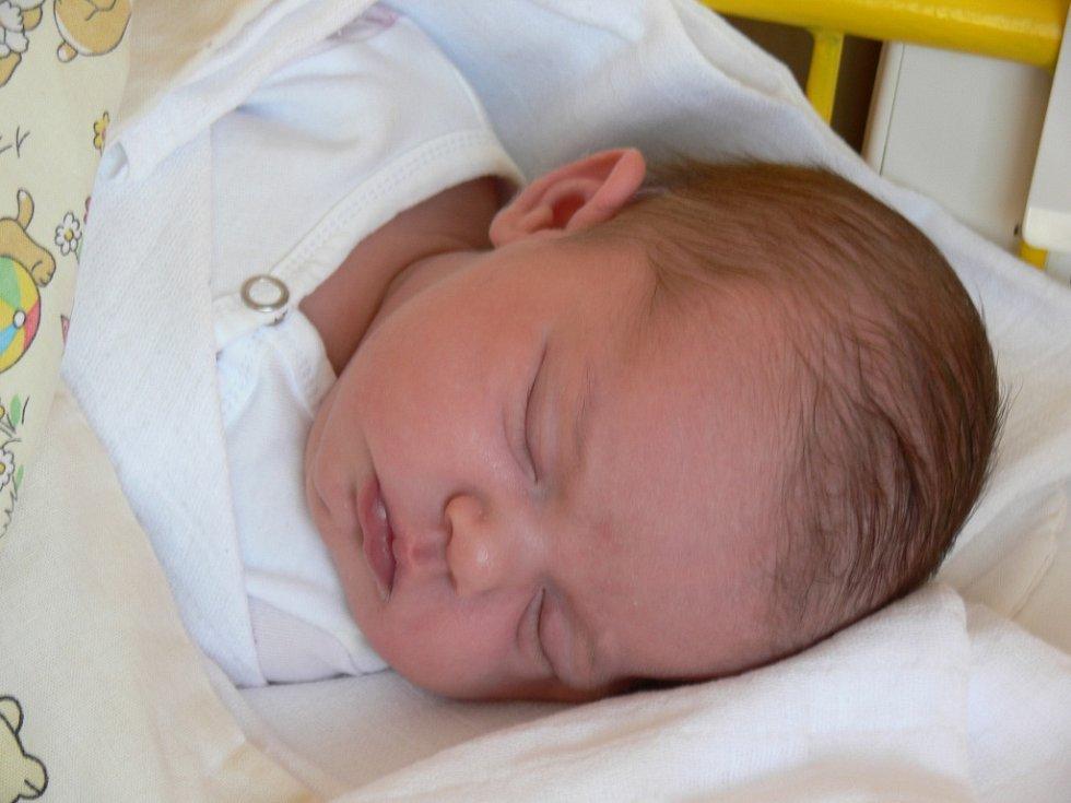 Barbora Kasová se v prachatické porodnici narodila ve čtvrtek 23. srpna v 07.02 hodin. Vážila 3540 gramů a měřila 50 centimetrů. Rodiče Jiří a Lucie Kasovi jsou z Prachatic.