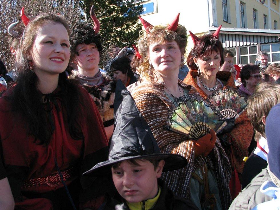 Netoličtí si užili pohádkový pátek se Zdeňkem Troškou, parním vlakem a spoustou pohádkových a filmových postav.