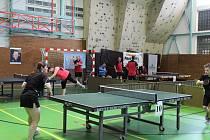 Tradiční turnaj stolních tenistů se hraje mimořádně v listopadu.