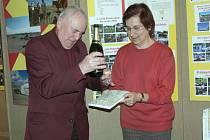 Součástí programu byl i křest nové knihy s názvem Obce s knihovnami regionu Prachaticka. Křtu se ujal bývalý starosta Prachatic a současný radní Miroslav Bojanovský.