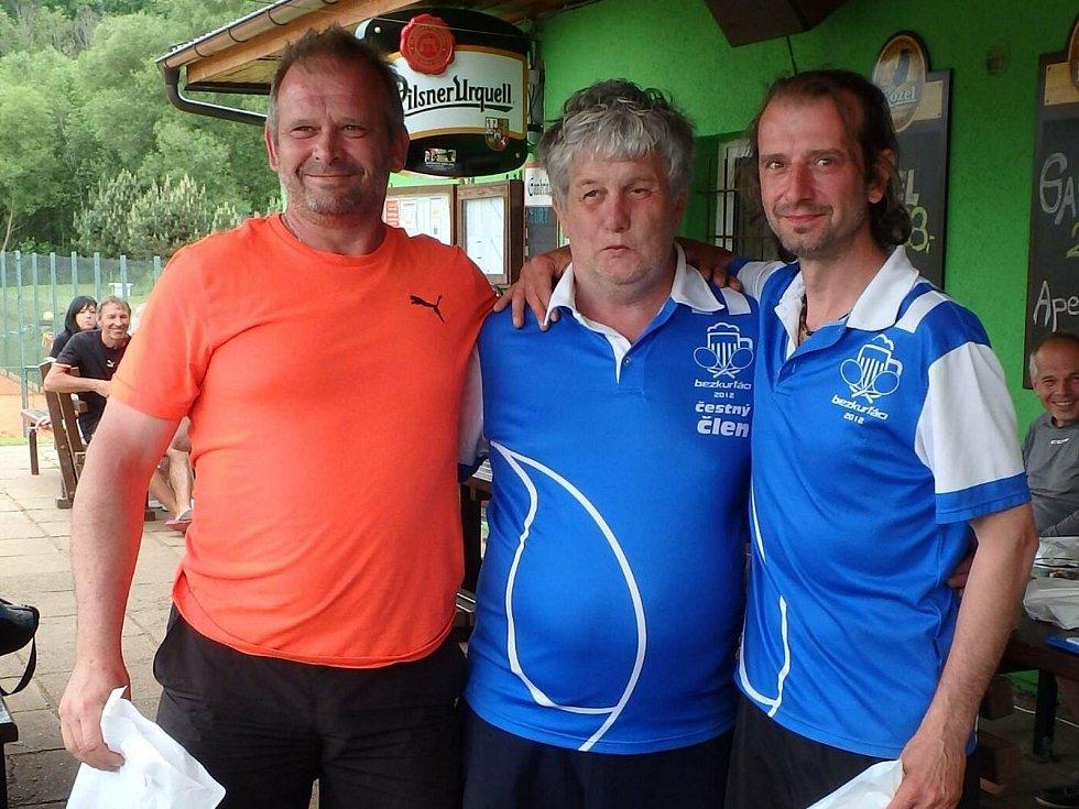 Tenisté si užívali dalšího ročníku J&B cupu v Prachaticích.