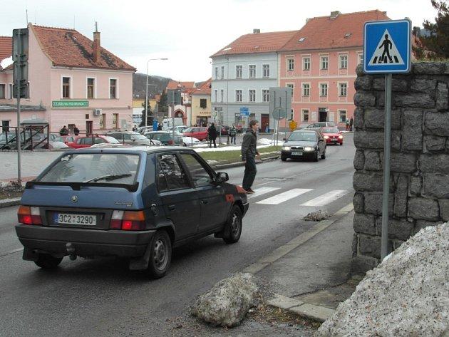 Přechod v prachatické Pivovarské ulici.
