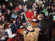 Hlavním hostem pátečního večera na Slavnostech Zlaté stezky v Prachaticích byla skupina Čechomor.