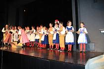 Folklórní soubor Libín Prachatice slavil 45. výročí v Městském divadle.
