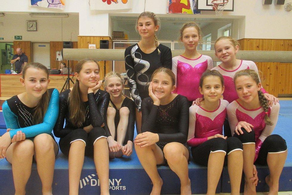 Vimperské gymnastky soutěžily v Táboře.