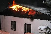 Kiosek v Kubově Huti lehnul popelem