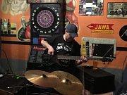 Kapela Pracovní sobota vystoupila v sobotu 17. března v prachatickém Rockklubu.