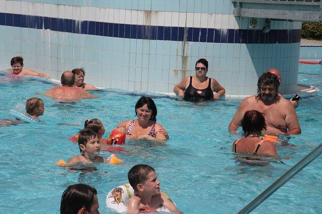 Pohoda na Huláku byl název sobotní akce, kterou připravilo Sportovní zařízení města Prachatice a Městské kulturní služby Prachatice na veřejném koupališti.