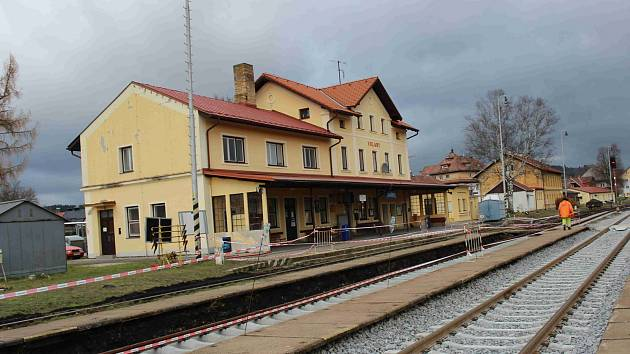 Nádraží ve Volarech prochází revitalizací.