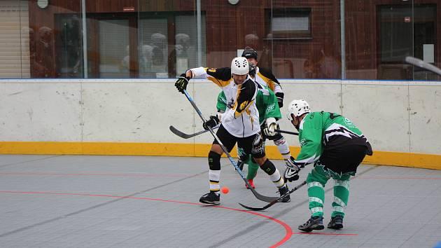 Hokejbalová II. liga: Highlanders Prachatice B - Pedagog ČB 5:4.