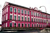 Budova sesazovny dýh ve Volarech.