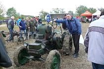 Mahouš opět obsadily historické traktory.