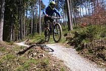 Cyklo jízdy přes překážky. Ilustrační foto