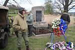 Položení květin u Pomníku setkání pěti armád ve Vitějovicích.