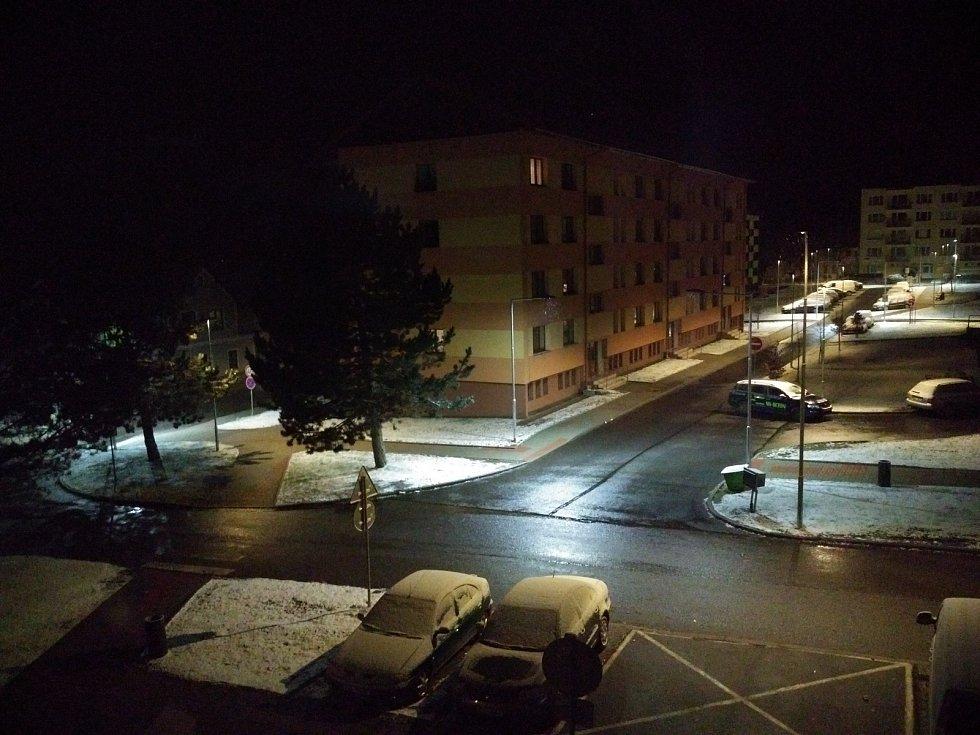 První dubnové úterý Prachaticko zasypal sníh.