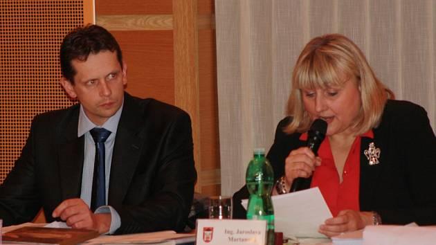 Místostarosta Jiří Cais a starostka Jaroslava Martanová.