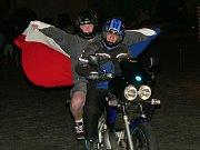 Vlajku vytáhli i motorkáři.