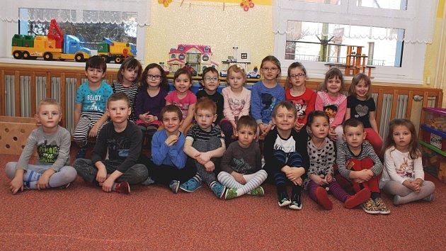 Žlutá třída vMateřské škole Prachatice vZahradní ulici.