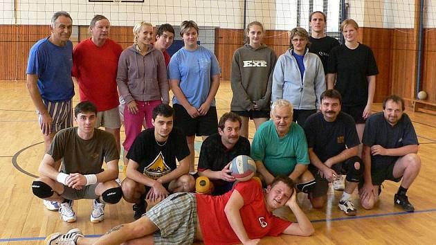 Účastníci volarského turnaje.
