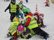 Děti z MŠ Zdíkov a Šumavské Hoštice absolvují svůj první lyžařský výcvik.