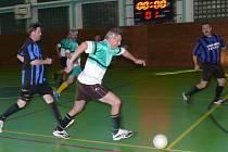 Turnaj vyhrál Rumpál (u míče M. Lorenc).
