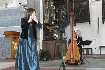 V Radničním sále v Prachaticích ve čtvrtek oficiálně zahájil starosta Prachatic Jan Bauer společně s vedoucí Odboru kultury, školství a cestovního ruchu Růženou Štemberkovou již čtrnáctý ročník festivalu Dny duchovní hudby.