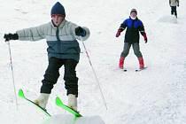Občanské sdružení Libín 1096 na dnešek připravilo večerní lyžování. Ilustrační foto.