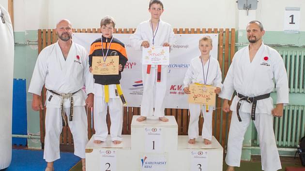 Karatisté přivezli z krajského přeboru plno medailí.