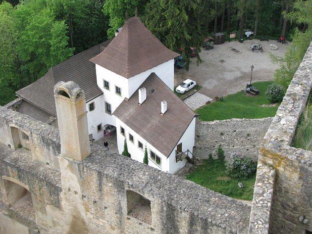 Jedenáctka jihočeských zámků a hradů zahajuje hlavní sezonu. Stání hrad Landštejn, ilustrační foto