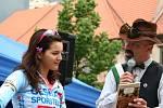 První peloton již v půl osmé vyvezla z Vimperka bikerka Tereza Huříková. Další trasa mířila z Netolic a vedla ji Kateřina Nash – Hanušová,  ta třetí pak začínala v Prachaticích a hlavním tahounem cyklistů byla Šárka Grabmüllerová.