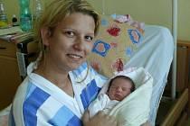 Adélka Cardová se v prachatické porodnici narodila v pondělí 1. června ve 20.55 hodin. Vážila 2920 gramů. Rodiče Marie a Václav jsou z Vimperka. Na malou Adélku se těšila sedmiletá sestřička Maruška.
