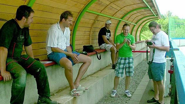 Hokejbalisté mají nové hřiště v Žernovicích.