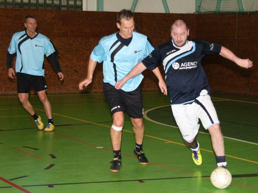 V sobotu 17. ledna se ve sportovní hale v Prachaticích odehrály zápasy krajského finále Českého poháru futsal sálové kopané. Foto z utkání Strabag  PT – FC Tex Color.
