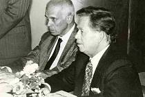 Při návštěvě Šumavy doprovázel Václava Havla také jeho dlouholetý přítel a kancléř Ivan Medek.
