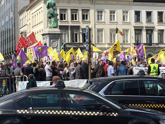 Brusel, místo neustálých demonstrací. Někdy pro něco, jindy proti něčemu.