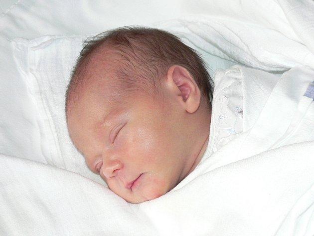 Dne 1.11.2007 v 7:15 hodin udělala Kristýna Ernestová rodičům obrovskou radost svými 2,65 kilogramy a 48 centimentry.